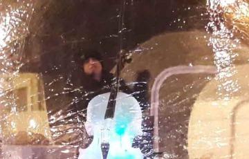 Esibizione del violoncellista Giovanni Sollima a Ponte di Legno