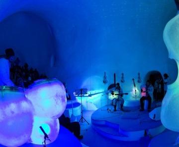 Ice Music Festival, primo concerto nel teatro igloo a Passo Paradiso