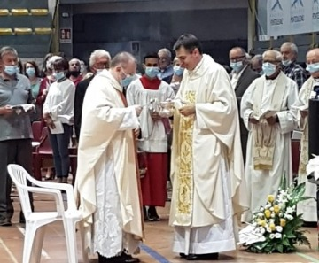Il nuovo parroco don Alessandro Nana ha fatto ingresso a Ponte di Legno