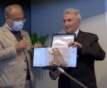 Ponte di Legno: conferito il premio Impronta Camuna alla memoria del notaio Camadini